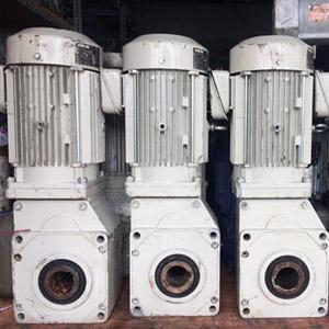 Động cơ giảm tốc bãi 0.37kw (380V)